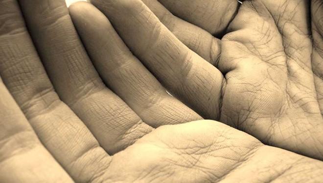 La palpación, uno de los 4 métodos de diagnóstico de la MTC