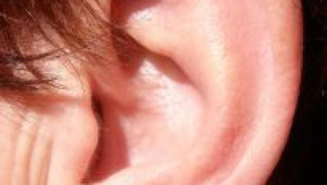Acúfenos o pitidos en los oídos